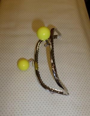 fermoir pochette acier chrome boules jaune
