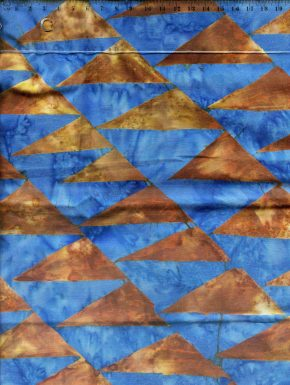 coupon-tissu-patchwork-batick-triangles-bleu-19-004_compressed